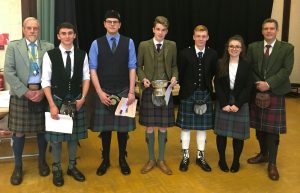Chairman Dr Ian Blake (left) and Judge Dr Decker Forrest (right) with the Senior Prizewinners